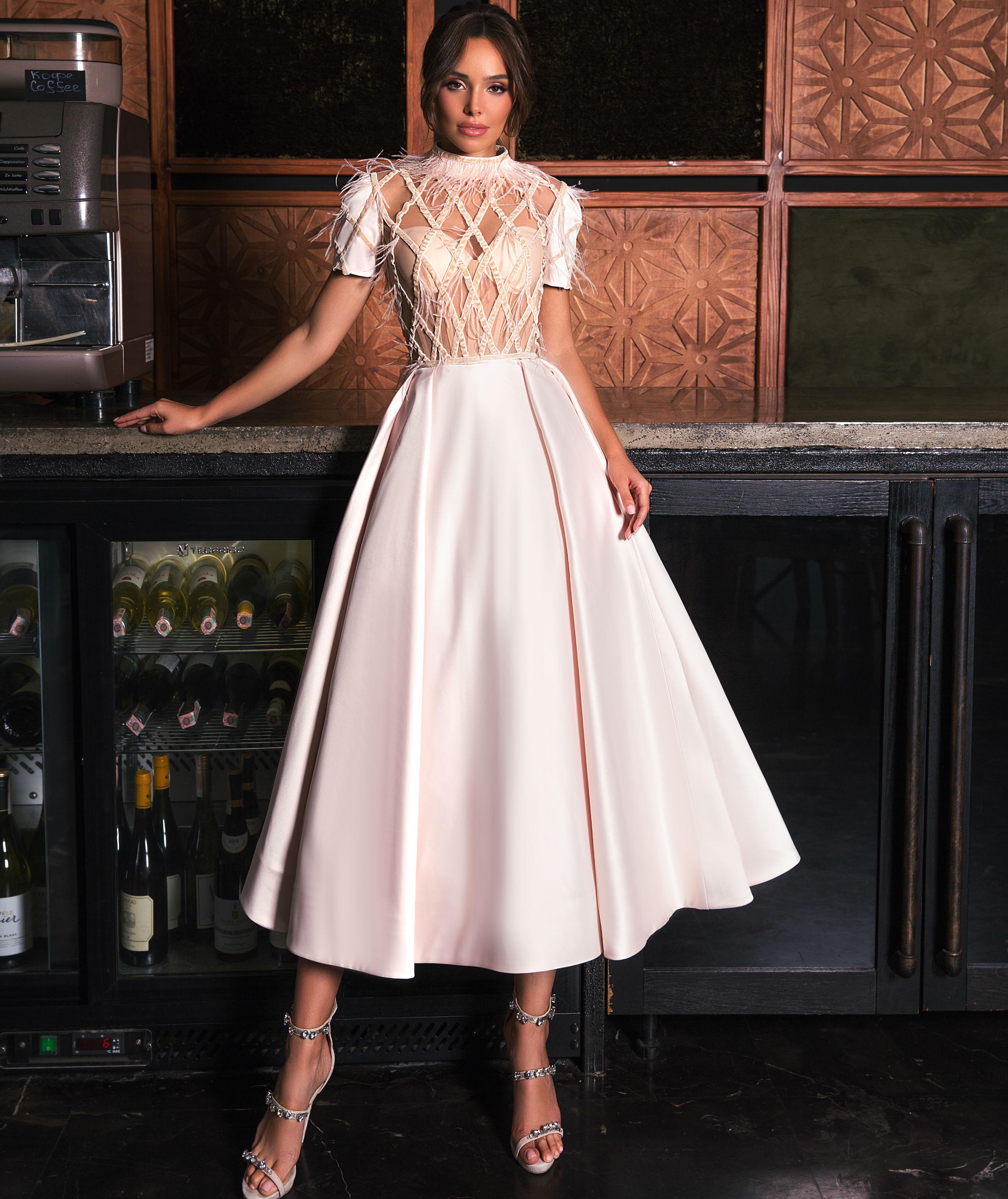 вечерняя мода платья миди фото классическом