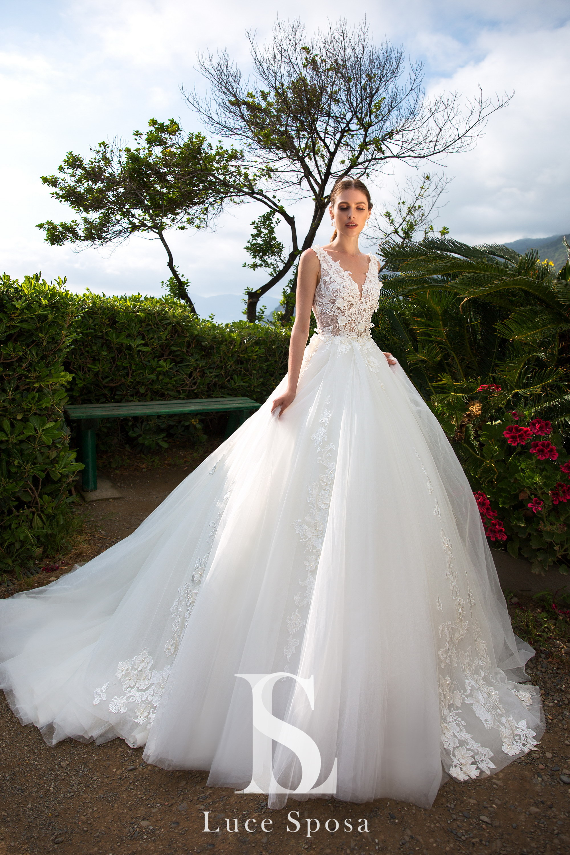 Wedding Dresses «Leni»-2