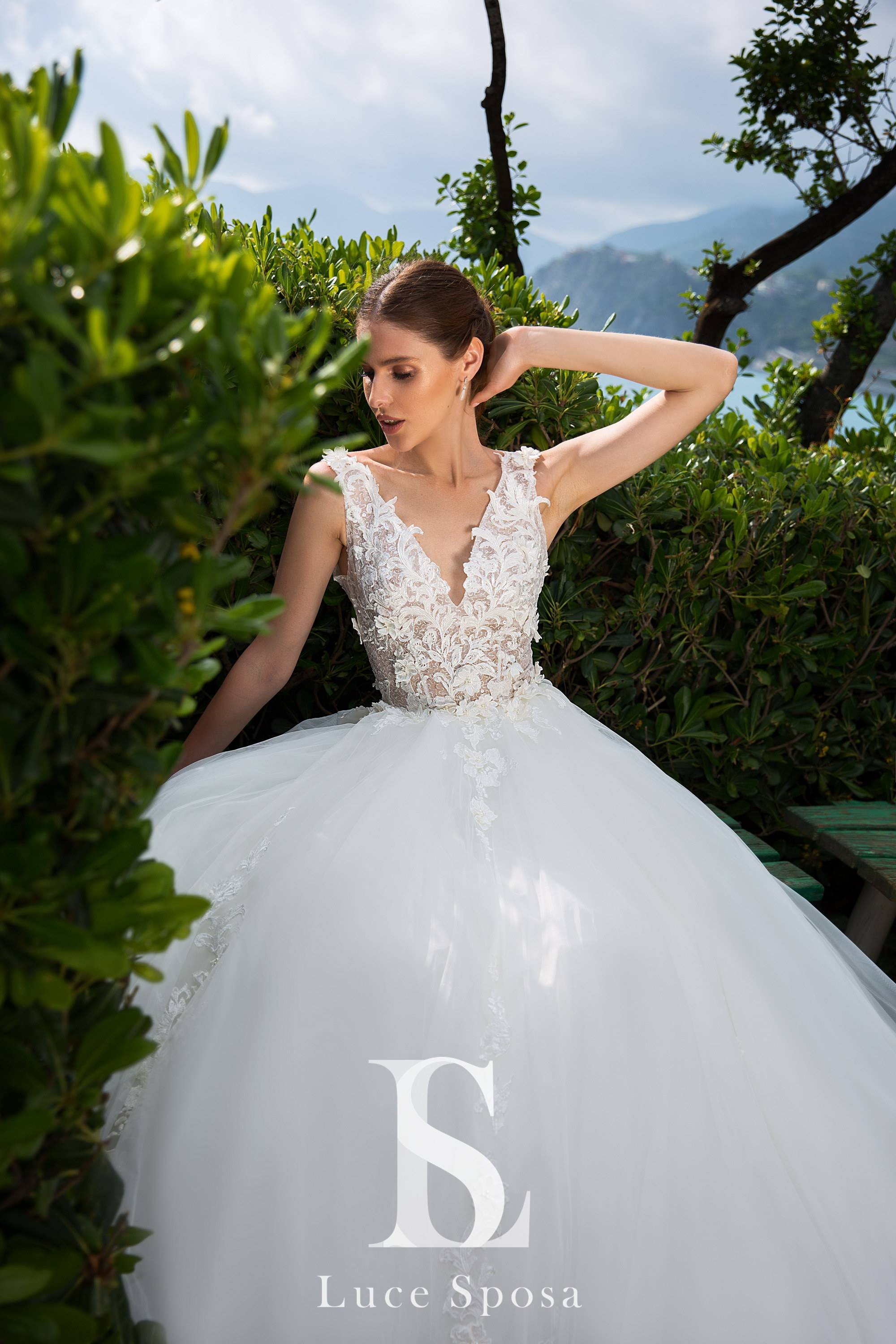 Wedding Dresses «Leni»-3