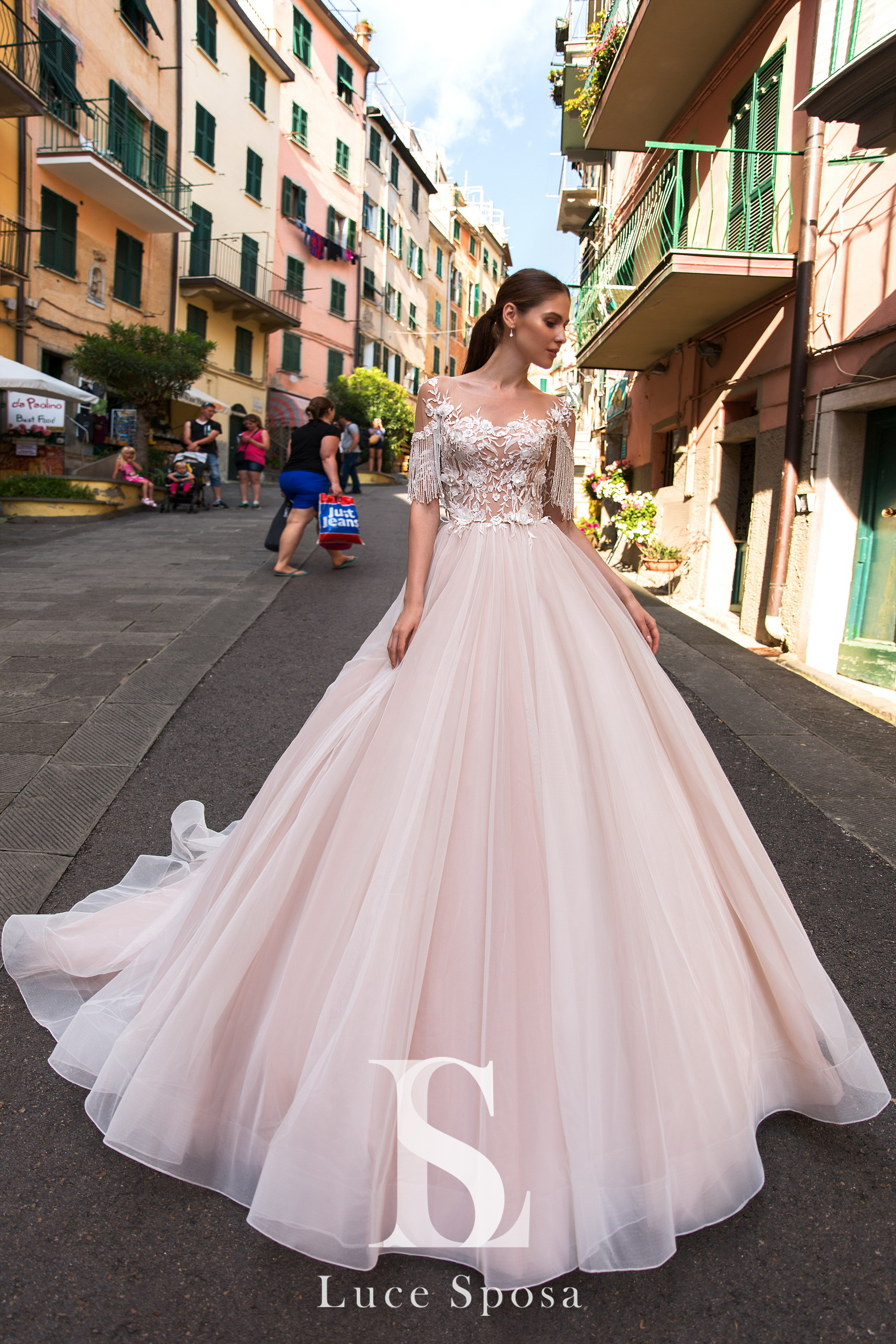 Wedding Dresses «Lagoon»-3