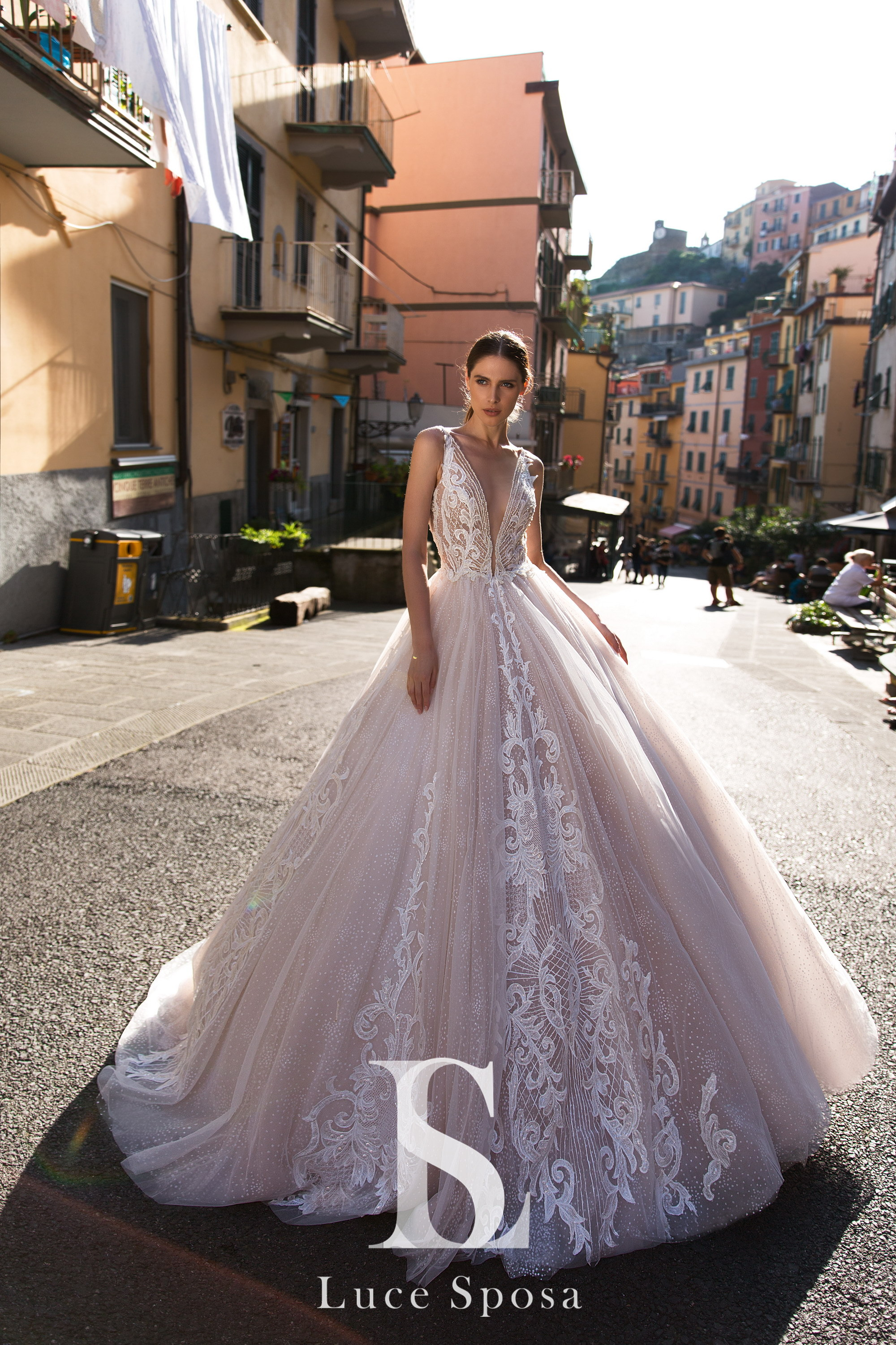 Wedding Dresses «Lychianna»-1