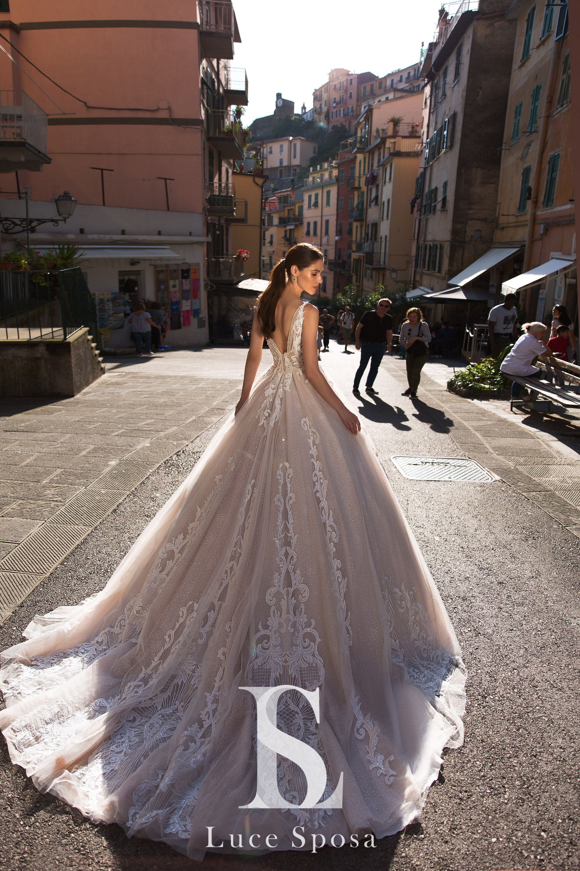 Wedding Dresses «Lychianna»-3