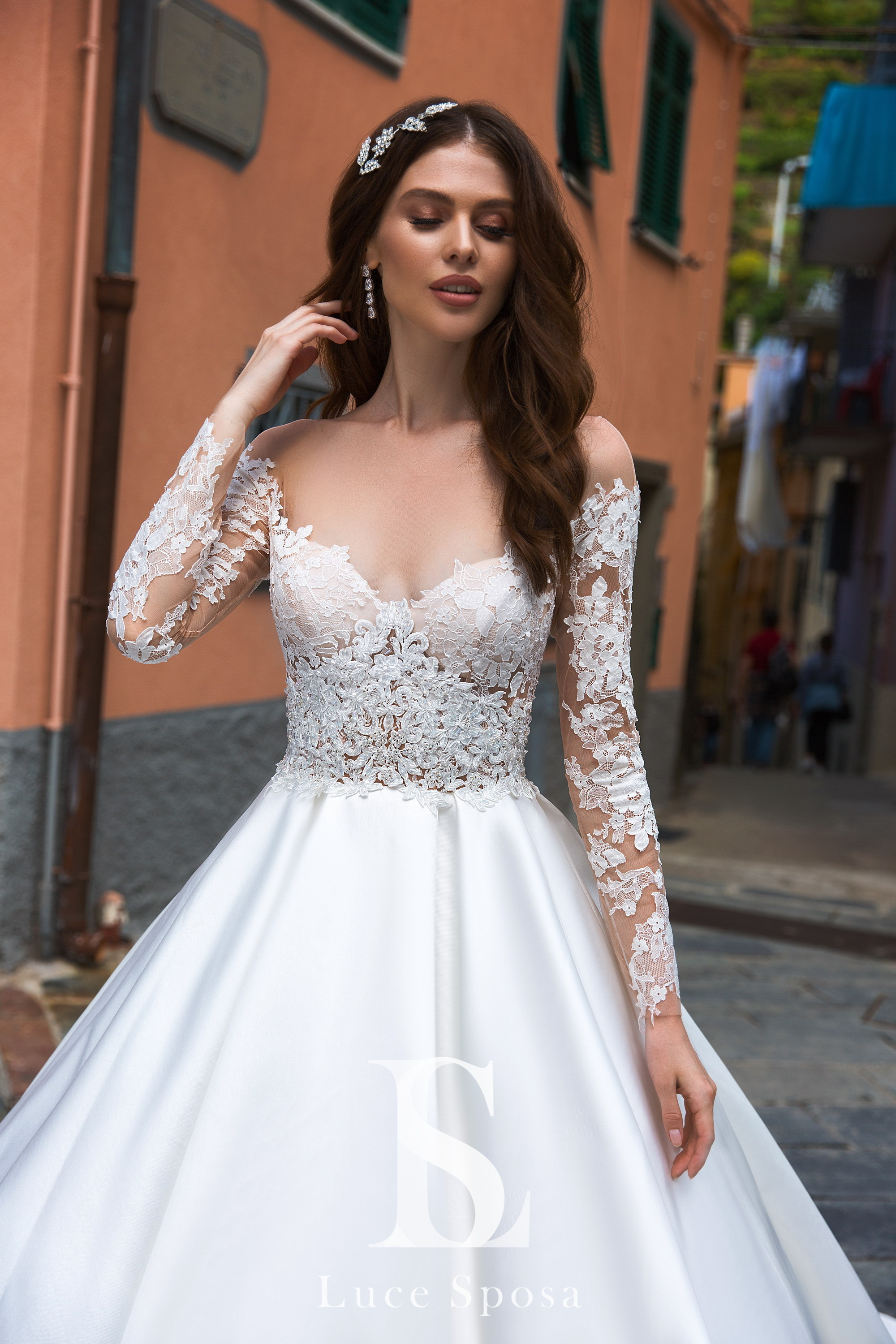 86e48328f7f Ballroom wedding dress with satin skirt wholesale by LuceSposa