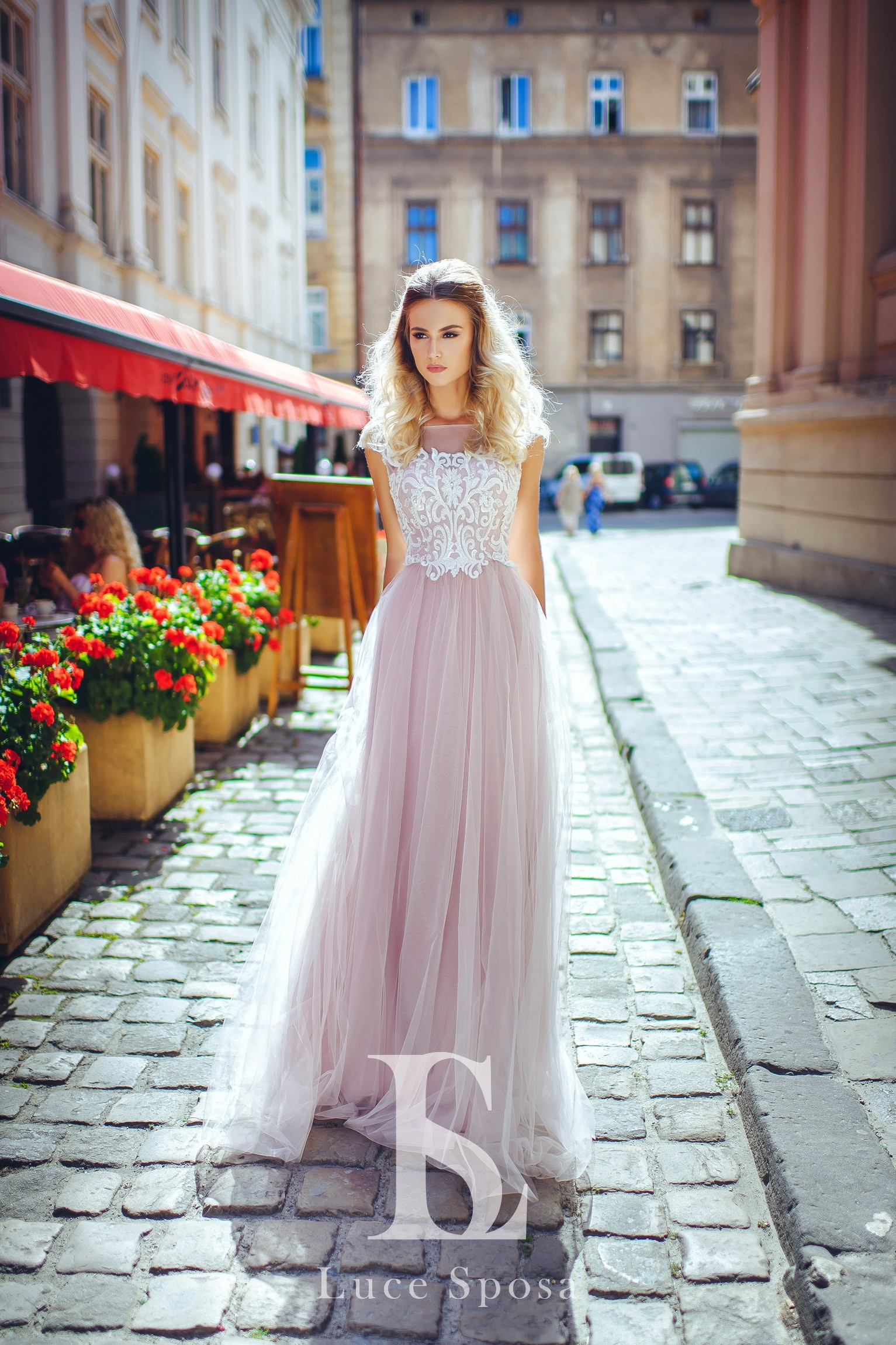Wedding Dresses «LV-001»-1