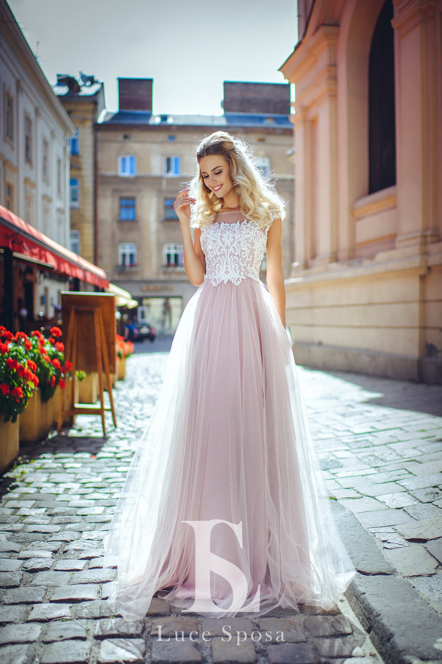 Wedding Dresses «LV-001»-2