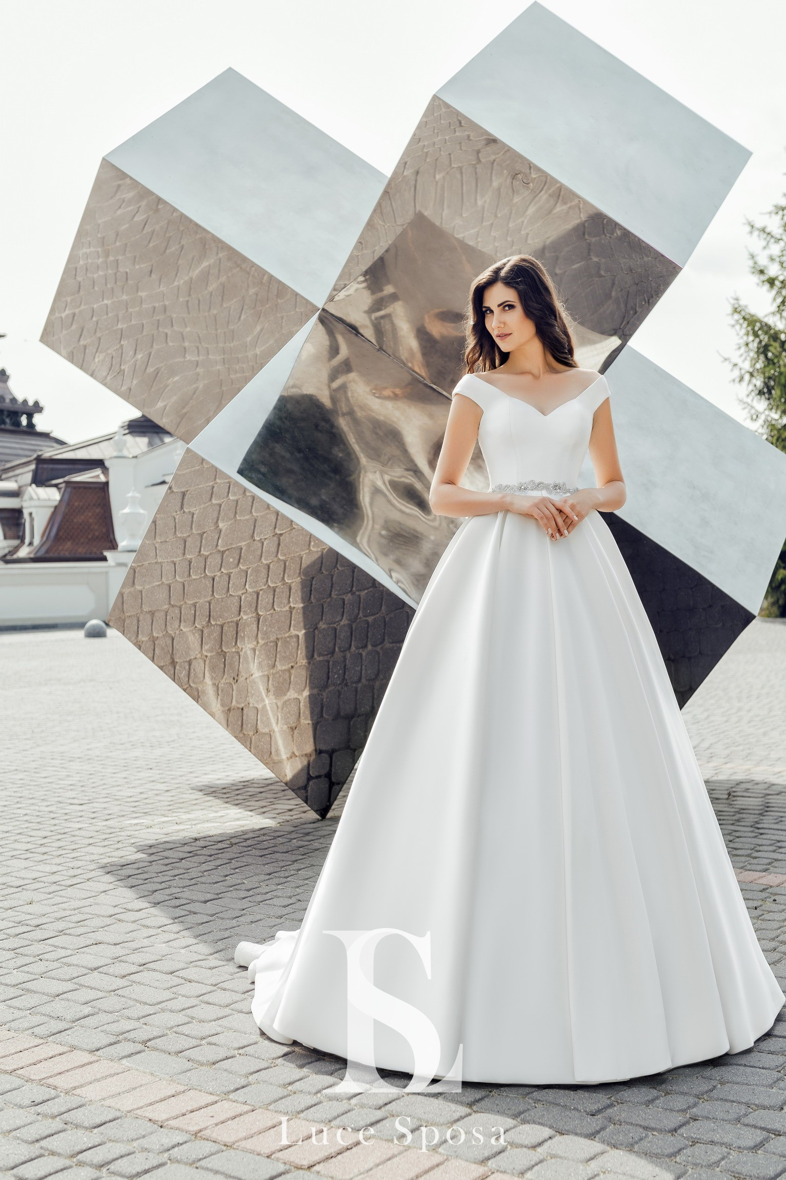 Wedding Dresses «Vivana»-2