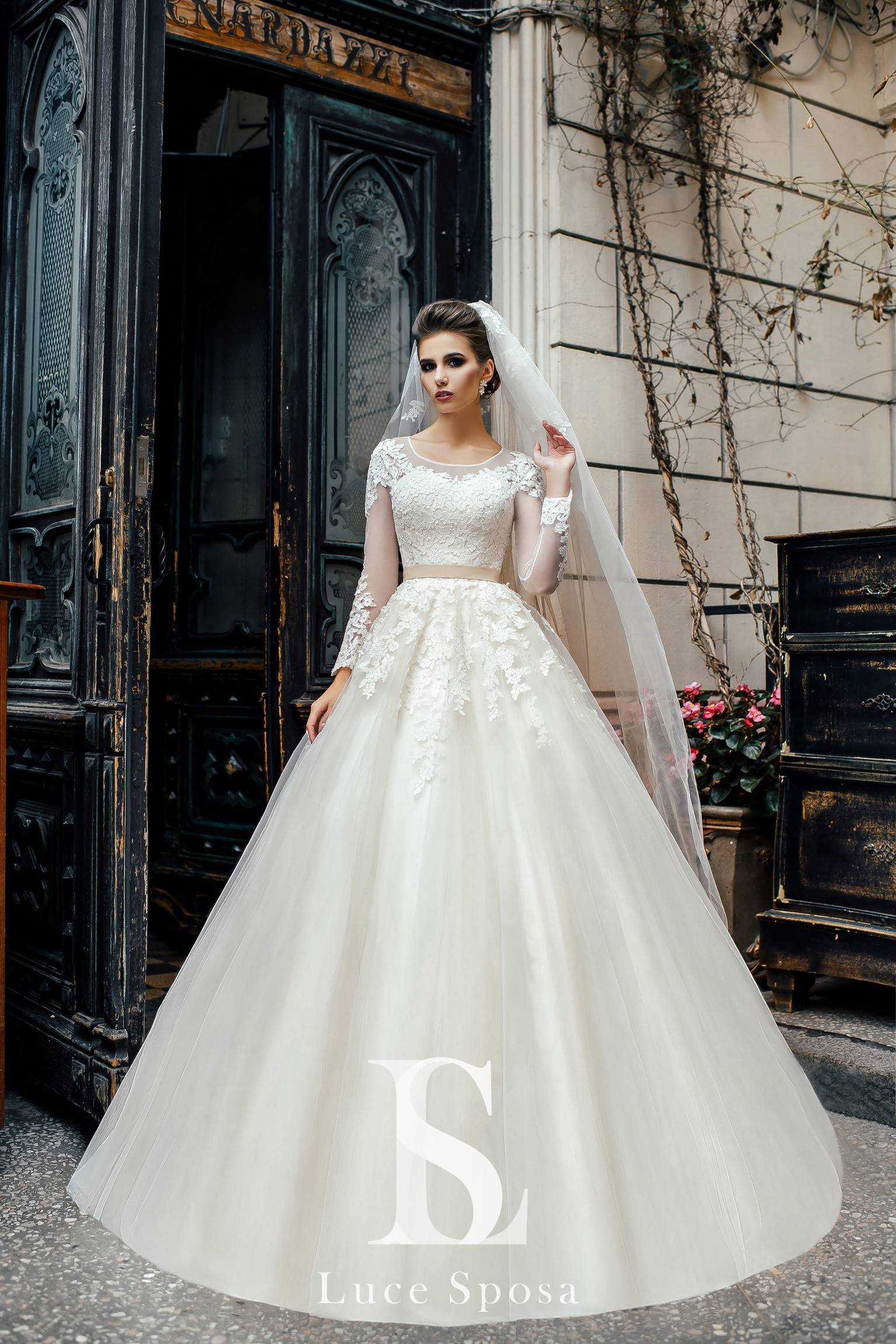 Wedding Dresses «Anna»-2