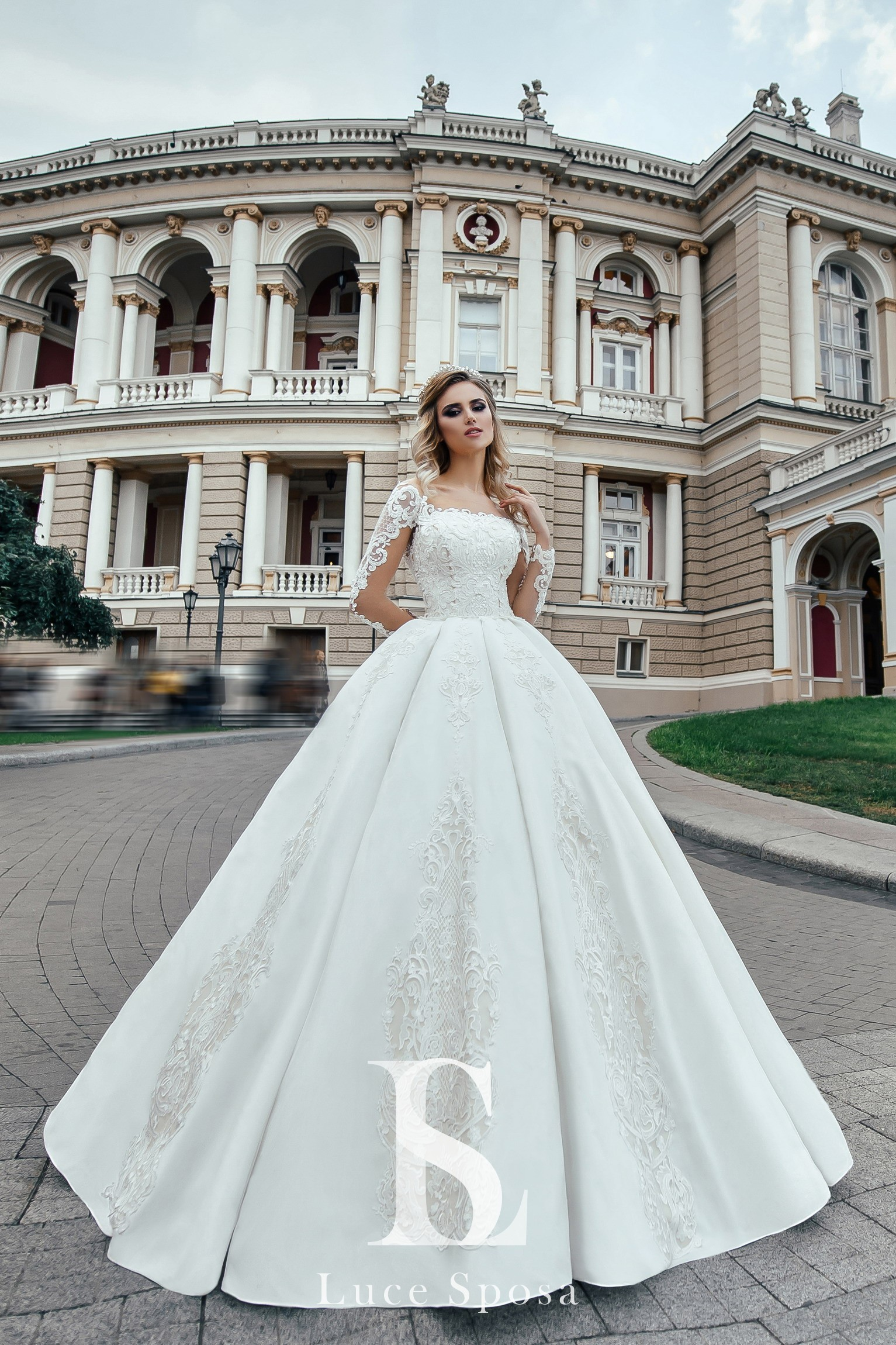 Wedding Dresses «Jessie»-2