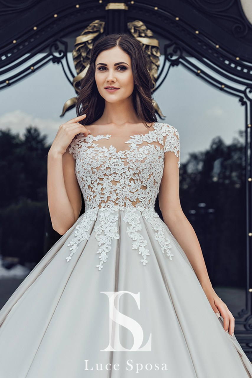 Wedding Dresses «Carnelia»