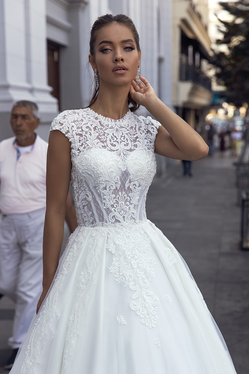 Wedding Dresses-Collections «Guslina»