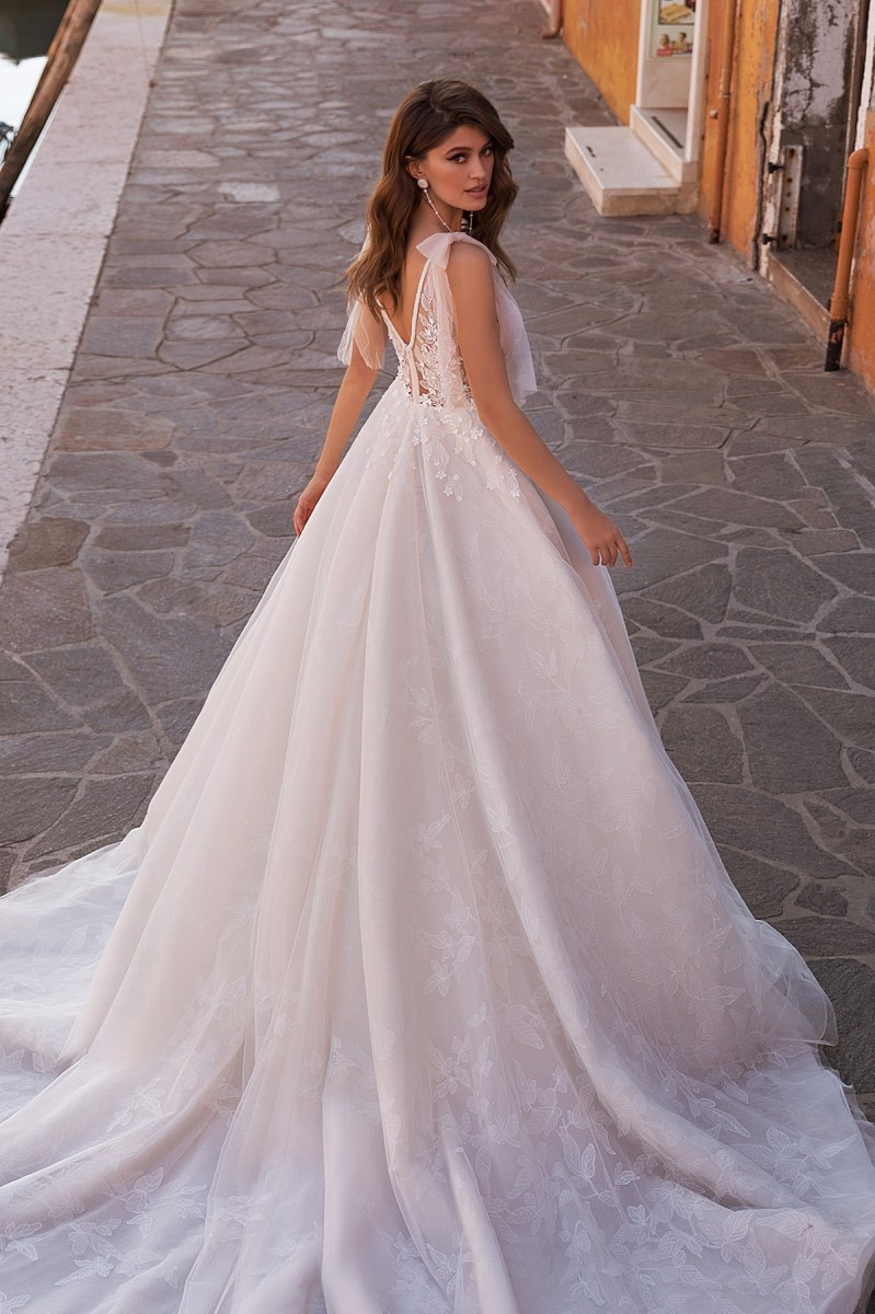 Wedding Dresses-Collections «Faustina»